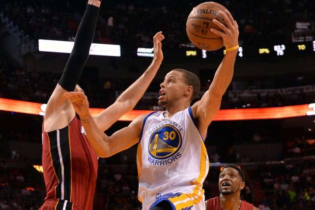 Stephen Curry a inscrit 40 points dans la... (Photo Steve Mitchell, USA Today Sports)