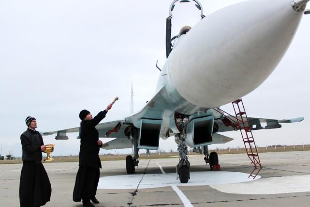 Une source militaire a annoncé le déploiement de... (PHOTO YURI LASHOV, AFP)