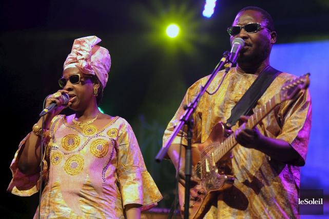 Les chanteurs maliens Amadou et Mariam... (Photo: Erick Labbé, archives Le Soleil)