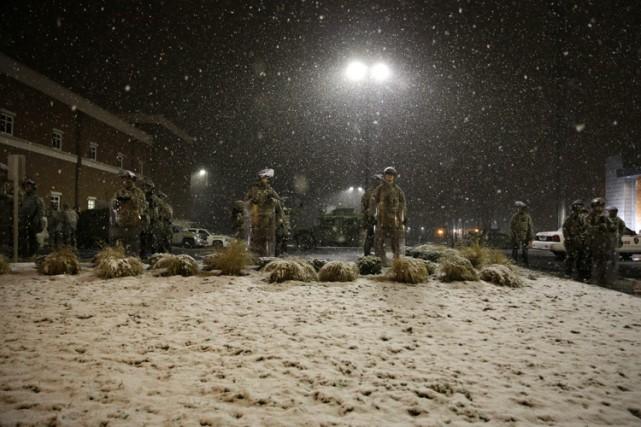 Le froid et la neige tombée sur Ferguson... (Photo: AP)