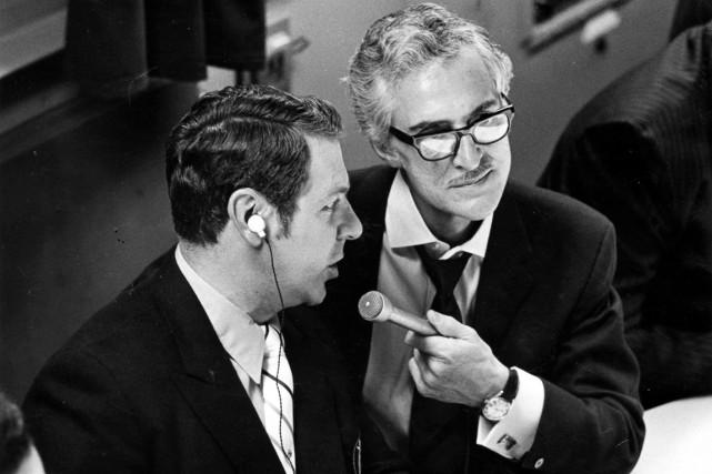 En compagnie de René Lecavalier, Gilles Tremblay a... (Photo Radio-Canada)