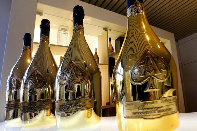 Quelques années pour élaborer le vin qui assemble... (PHOTO FRANCOIS NASCIMBENI, AFP)