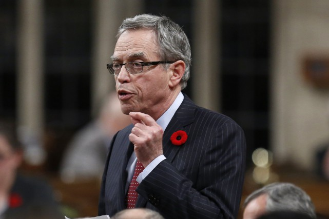 Le ministre fédéral des Finances, Joe Oliver... (Photo Chris Wattie, Archives Reuters)