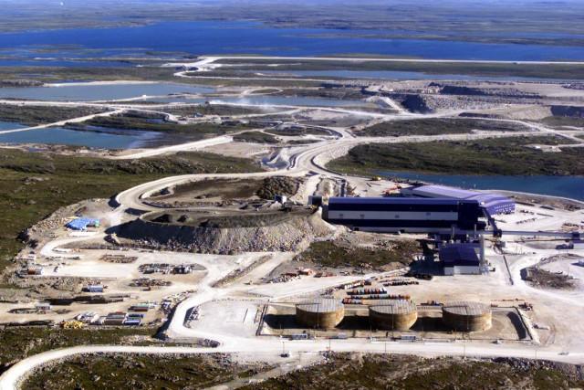La mine de diamantsDiavik, sur les berges du... (Photo Adrian Wyld, Archives La Presse Canadienne)