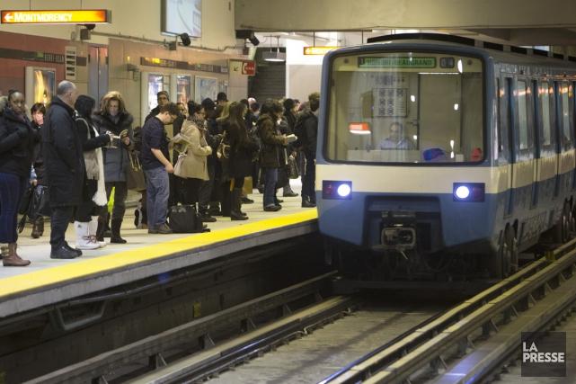 Les usagers du métro de Montréal ne seront plus coupés du reste du monde, a... (PHOTO ROBERT SKINNER, ARCHIVES LA PRESSE)