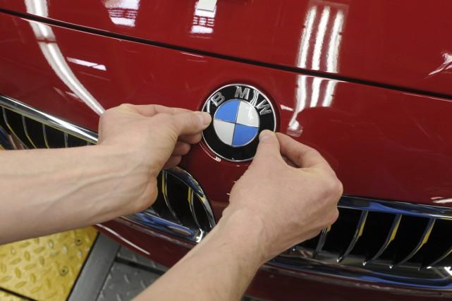 BMW pourrait doter le prochain modèle de sa... (PHOTO CHRISTOF STACHE, AGENCE FRANCE-PRESSE)