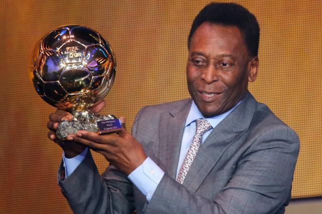 Pelé est hospitalisé depuis lundi en raison d'une... (Photo Michael Probst, archives AP)