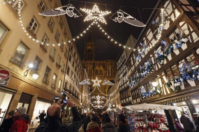 Les retombées économiques du marché de Noël pour... (Photo Vincent Kessler, Archives Reuters)