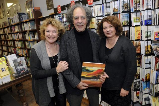Claire-Hélène Hovington, le peintre René Gagnon et l'auteur... ((Photo Jeannot Lévesque))