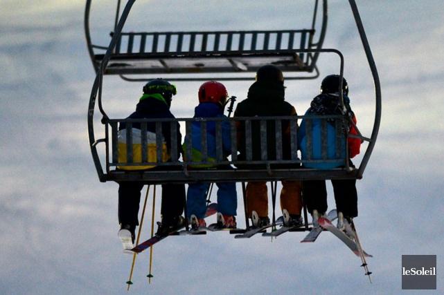 Premiers skieurs à Stoneham.... (Photothèque Le Soleil, Yan Doublet)