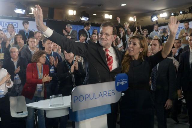 Le premier ministre Mariano Rajoy et laprésidenté du... (PHOTO JOSEP LAGO, AFP)