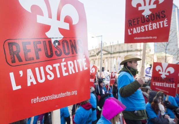 Des milliers de manifestants ont marché dans les... (Presse canadienne)