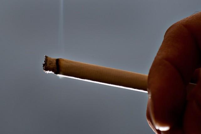 Le pays compte faire disparaître la cigarette du... (Photo archives Bloomberg)