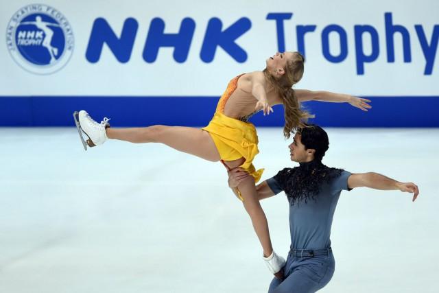 Kaitlyn Weaver et Andrew Poje... (PHOTO TOSHIFUMI KITAMURA, AFP)