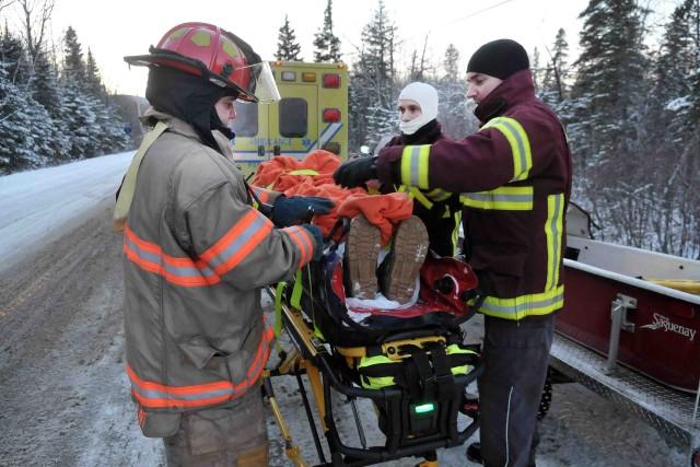 L'homme a été transporté vers un centre hospitalier... ((Photo Rocket Lavoie))