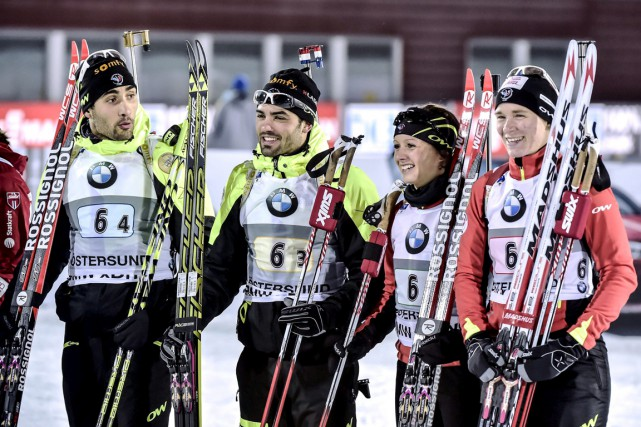 De gauche à droite: Martin Fourcade, Simon Fourcade, Anais... (PHOTO REUTERS)