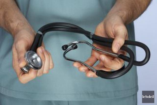 La Fédération médicale étudiante du Québec (FMEQ) amorcera des «échanges» avec... (Photothèque Le Soleil)