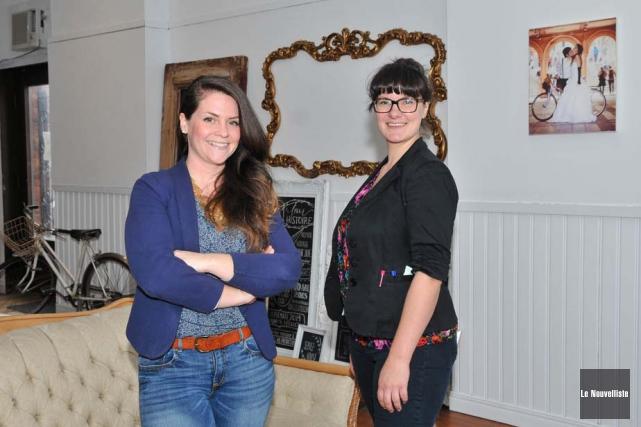 Sara Drouin-Germain, propriétaire de Papier Confit, et Marie-Pauline... (Photo: Émilie O'Connor, Le Nouvelliste)