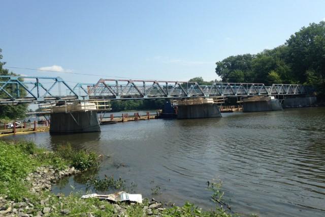 L'obtention d'un contrat clé en main de 3 millions$ pour la réfection du pont... (Courtoisie)