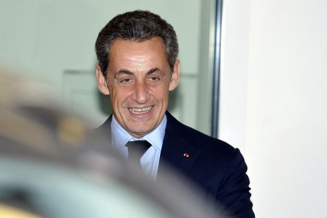 L'ex-président français, Nicolas Sarkozy, est officiellement de retour... (PHOTO MIGUEL MEDINA, AFP)