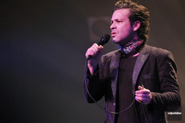 Adam Cohen en spectacle à Chicoutimi vendredi dernier.... (Photo: Rocket Lavoie, Le Quotidien)