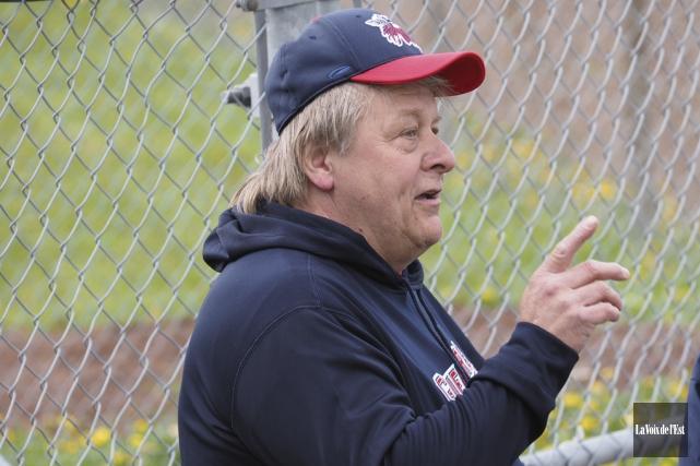 L'entraîneur-chef des Guerriers junior élite portera dorénavant deux... (photo archives La Voix de l'Est)