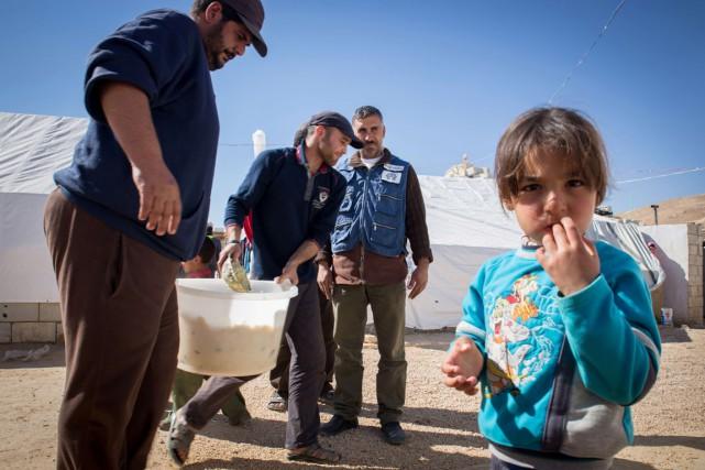 Les réfugiés syriens devront faire face à l'hiver... (PHOTO: MAYA HAUTEFEUILLE, ARCHIVES AFP)