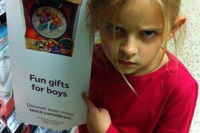 La célèbre photo de la jeune Maggie Cole... (Photo tirée de Twitter)