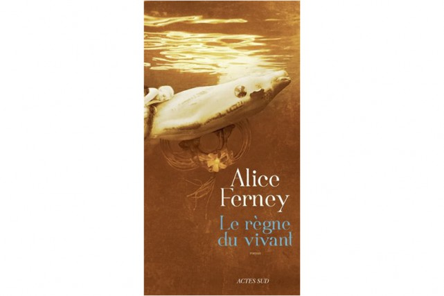 Alice Ferney réussit à concilier l'engagement et la fiction dans son roman coup...