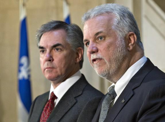 Le premier ministre du Québec Philippe Couillard (à... (Photo Jacques Boissinot, La Presse Canadienne)