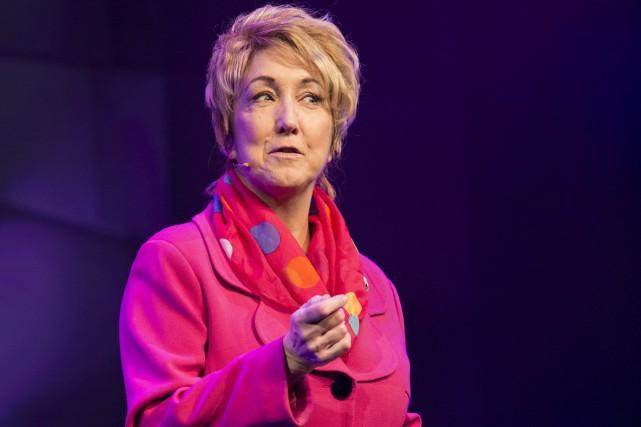 Suzanne Champagne, sous les traits de Pauline Marois,... (Photo: fournie par le Théâtre du Rideau vert)