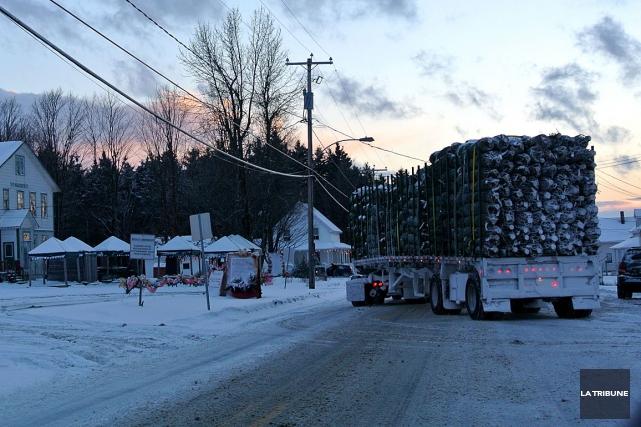 Il n'est pas rare de voir des camions... (La Tribune, Christine Bureau)