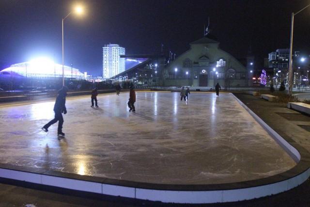 Accessible depuis le week-end dernier, la nouvelle patinoire du parc Lansdowne... (Étienne Ranger, LeDroit)