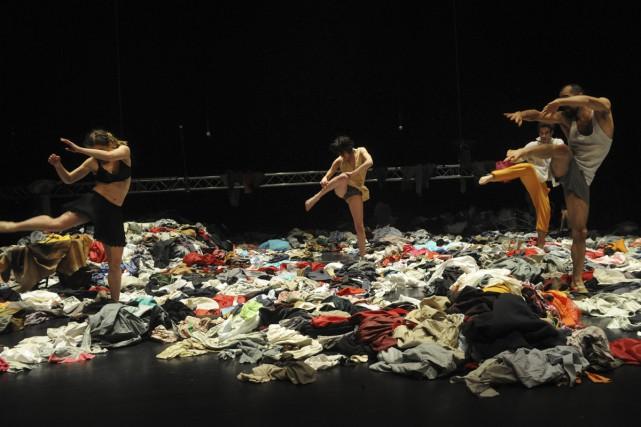 Tauberbach d'Alain Platel met en scène six laissés-pour-compte... (Photo: Chris Van Der Burght, fournie par le FTA)