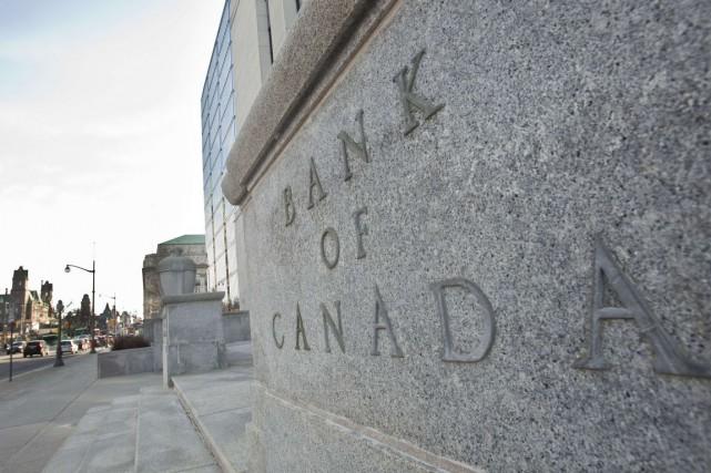 À la surprise générale, la Banque du Canada abaisse son taux directeur afin... (PHOTO GEOFF ROBINS, ARCHIVES AFP)