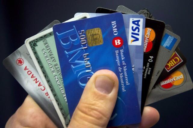 Le niveau d'endettement non hypothécaire des consommateurs québécois... (Photo archives La Presse Canadienne)