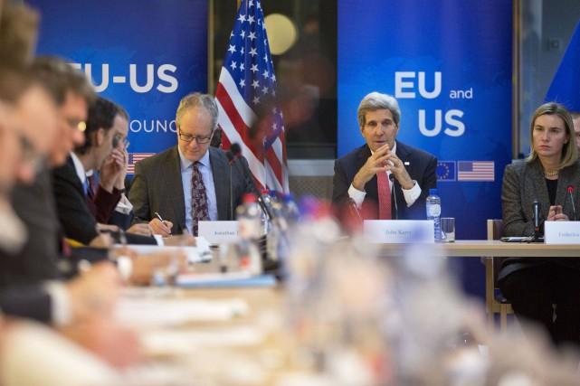 Le chef de la politique extérieure de l'Union... (Photo Virginia Mayo, Reuters)