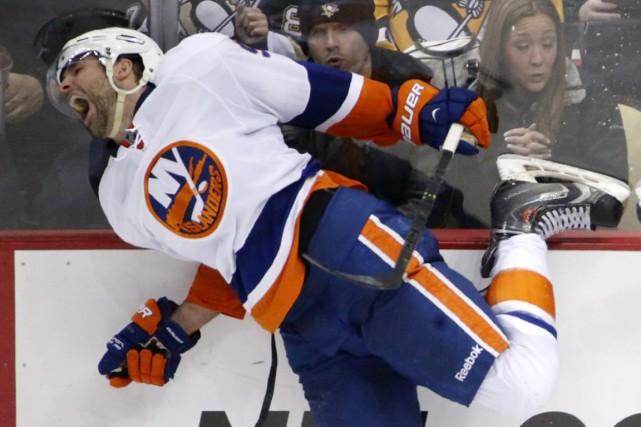 Les Islanders de New York ont inscrit le nom des défenseurs Johnny Boychuk et... (Photo archives AP)