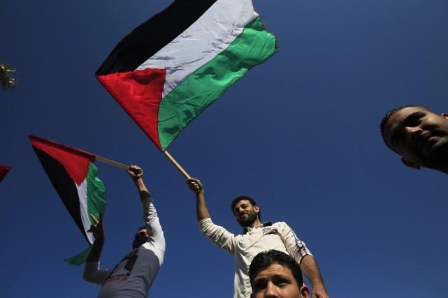 Le gouvernement palestinien a fait de la reconnaissance... (PHOTO MOHAMMED ABED, ARCHIVES AGENCE FRANCE-PRESSE)