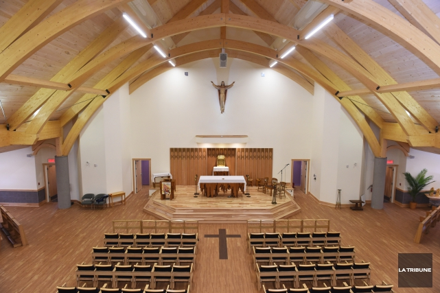 J'ai eu le privilège de participer à la première messe dans la nouvelle église... (Imacom, René Marquis)