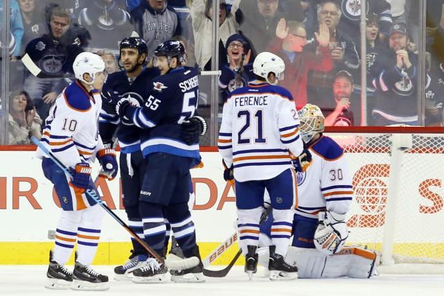 Les Oilers d'Edmonton se sont inclinés 3-2 en... (Photo Bruce Fedyck, USA Today Sports)