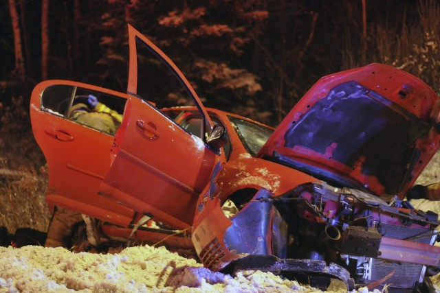 Un violent accident a fait trois blessés hier... ((Photo Michel Tremblay))