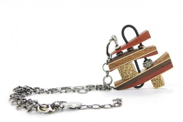 L'artiste Isabelle Ferland et ses bijoux faits en...
