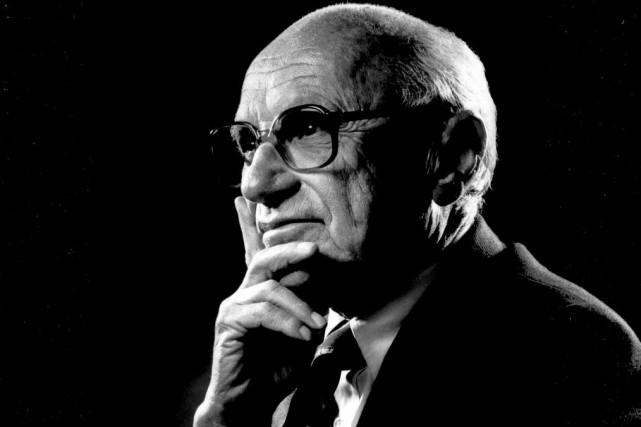 Milton Friedman est un économiste américain né le... (Photo tirée de Wikipedia)