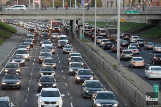 Le transport représente 80 % de la consommation... (Photo Bernard Brault, archives La Presse)