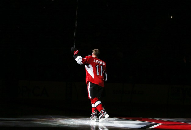 Daniel Alfredsson a confirmé qu'il prenait sa retraite... (Photo La Presse Canadienne)