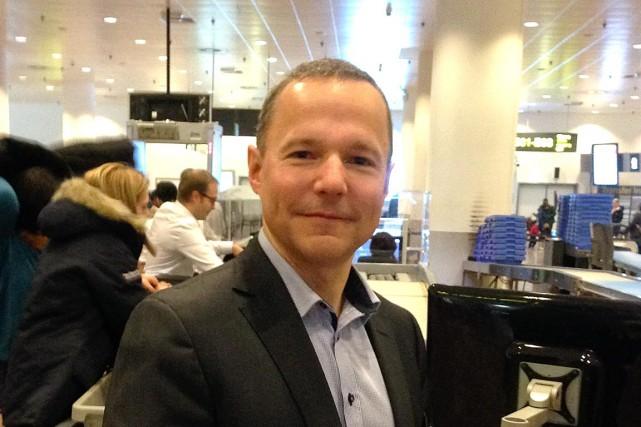 Éric Bergeron, président d'Optosecurity, à l'aéroport de Bruxelles... (Collaboration spéciale Annie Morin)