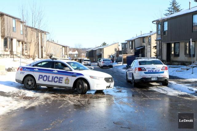 Deux corps ont été découverts jeudi matin au... (Etienne Ranger, LeDroit)