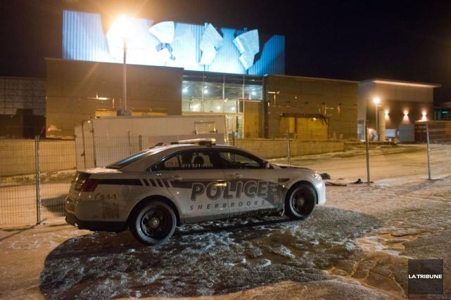 Les policiers sont intervenus au Centre culturel de... (Imacom, Jessica Garneau)