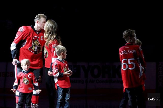 Daniel Alfredsson, sa conjointe Bibi et leurs quatre... (Patrick Woodbury, LeDroit)